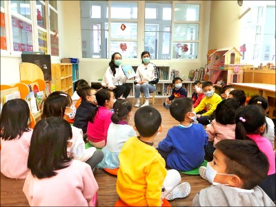 守住開學防疫第一關 中小學口罩 教部提供