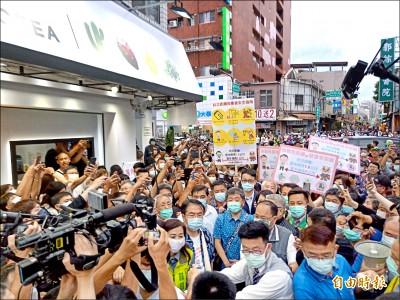 「防疫五月天」遊台南 人潮爆表