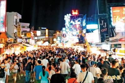 風景區塞爆了 小琉球2天擠進2萬人次