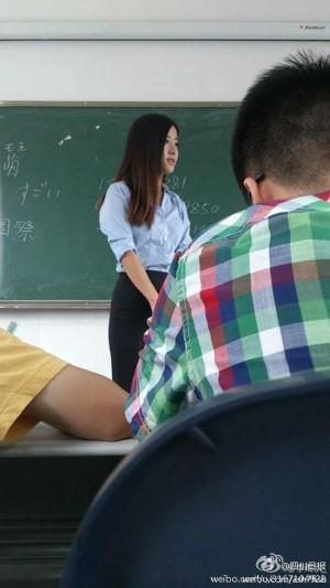 最美女教師太正點 學生多到換教室