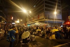 回應旺角街頭衝突 港警稱逮19人8黑道