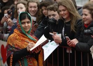 17歲馬拉拉拿和平獎 諾貝爾最年輕得主