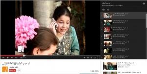 敘國女童反串戰地謀生大媽 生動演技成明星
