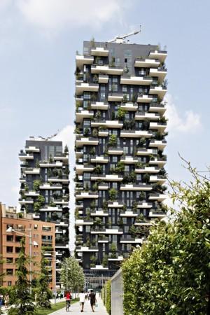 世界最美建築「垂直森林」 融入800棵樹
