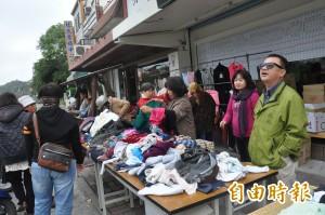 前立委賴坤成義賣二手衣 善人加碼做公益