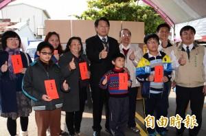 台南安定全國首創 結合超商提供借還書服務