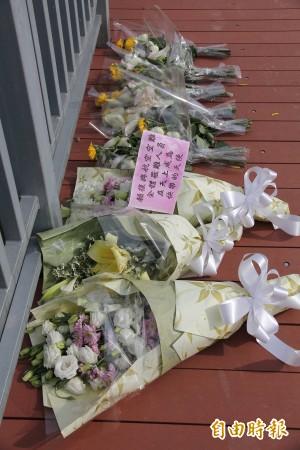 空難第9日 民眾獻花悼念:「願成為快樂天使」