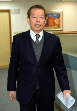 議員選立委爆爭議 謝長廷:有三種人不該批評