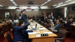 欲修公投、選罷法 陳其邁曝藍營惡擋