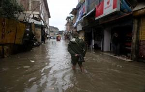 印度暴雨引發土石流 傳至少10人遭活埋