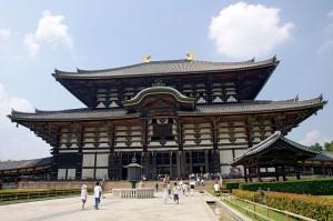 日本多處神社慘遭潑油 東大寺也遭殃