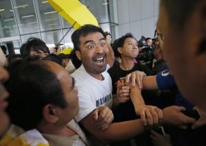 香港公佈普選新案 泛民派怒斥:港人淪投票工具