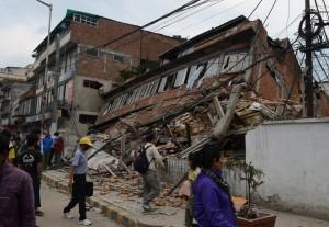 尼泊爾強震 累計1910人亡、逾5000傷(持續更新)