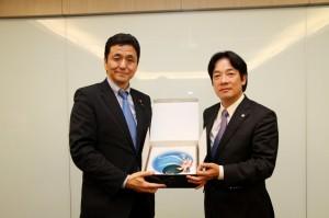 日本首相安倍晉三胞弟岸信夫 率國會團參訪台南