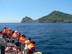 東部外海地震不斷 龜山島龜首崩塌