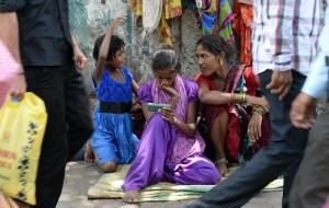 印度表兄弟強姦15歲少女 竟被判用鞋打5下