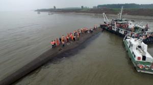 中國長江船難死者增至14人 400餘人仍生死不明