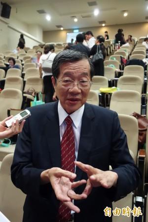 大學排名節節退 黃榮村:不要整天談政治