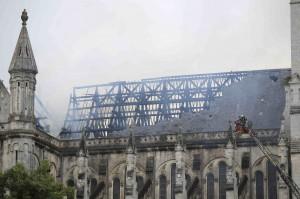 法19世紀教堂驚傳大火 屋頂幾近全毀