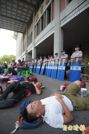 柯P允不驅離學生 藍議會黨團:警局勿廢弛職務