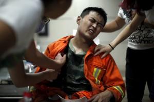 天津大爆炸消防員重傷喊「媽救我、我炸了內臟」