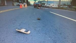 男子打赤膊呆坐快車道 被小客車輾斃
