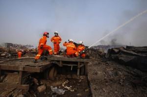 天津爆炸疑消防員噴水釀災 中媒爆:平常演練只有噴水
