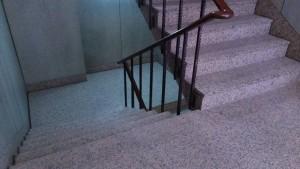 驚!3童樓梯間自拍性愛影片被逮