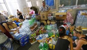 難民湧慕尼黑 德人捐助物資塞爆警局
