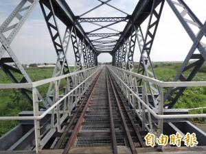 斷橋3年多 虎尾糖廠鐵橋通囉!