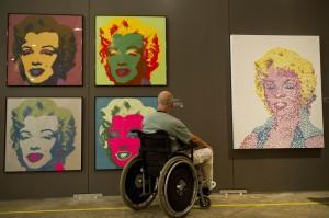 安迪沃荷9幅名畫被掉包  3年後才發現