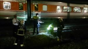 醉漢疑誤闖鐵路 遭自強號撞飛送醫