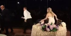 婚宴時賓客噎到 美新郎倌秒投入急救