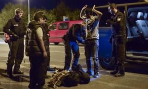 就差4分鐘!敘利亞3難民走22天 遇德邊境管制被擋