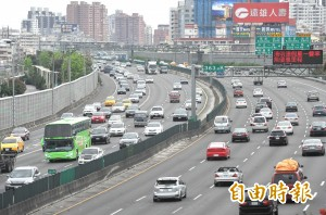 中秋節、國慶連假 上午6時前國道暫停收費