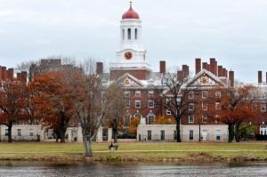 哈佛女高材生 揭露美國校園性侵現象