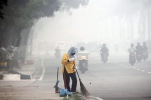 霾害太嚴重? 印尼版《國家地理雜誌》沒有封面照片