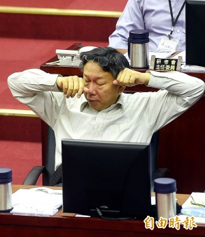 議會報告好頭大 柯P你累了嗎?(圖輯)