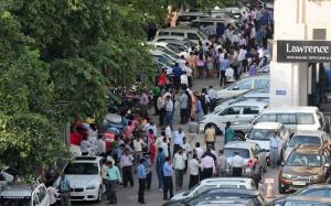 南亞7.5強震印度感受強烈搖晃 民眾逃命