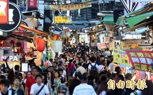 天價水果攤損害台灣形象 觀光局要管了!