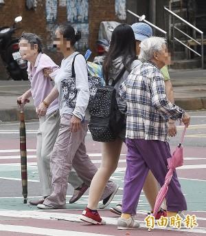 面對少子化、高齡化  國發會:已規劃中長期對策