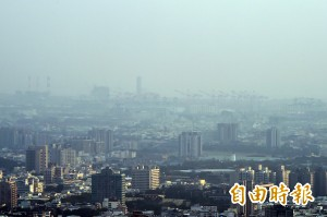 PM2.5達紅色警戒 苗栗以南空氣不佳