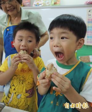 長知識!咀嚼可增加孩童計算能力