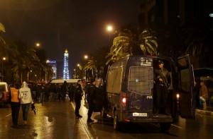 突尼西亞炸彈攻擊 造成總統府衛兵12死