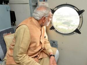 印度總理莫迪視察災區 照片修圖引爆爭議