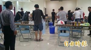 屏東警方破獲職業賭場 今晨逮47人