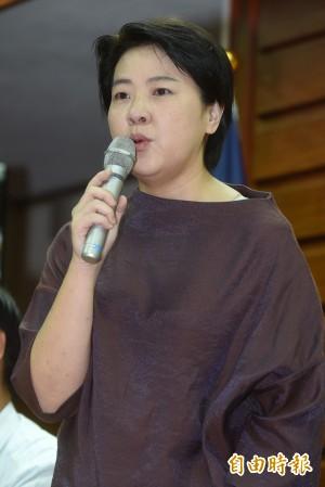 網路媒體:民調顯示黃珊珊大贏李彥秀15%
