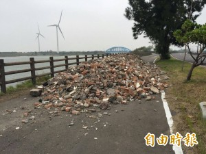 竹市17公里單車道 遭倒建築廢棄物