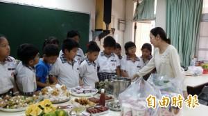 越南語母語班 讓外配子女學會說媽媽的話