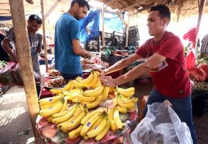 酷刑!偷1條金鏈 被警方逼吃48根香蕉
